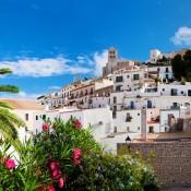 Ibiza, une destination voyage aussi pour les seniors