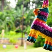 La piñata, le jeu préféré des enfants pour un anniversaire