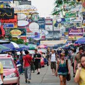 Première visite de Bangkok, la fourmilière aux mille feux.