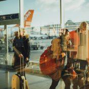 Que faire en cas de retard de vol en compagnie des enfants ?